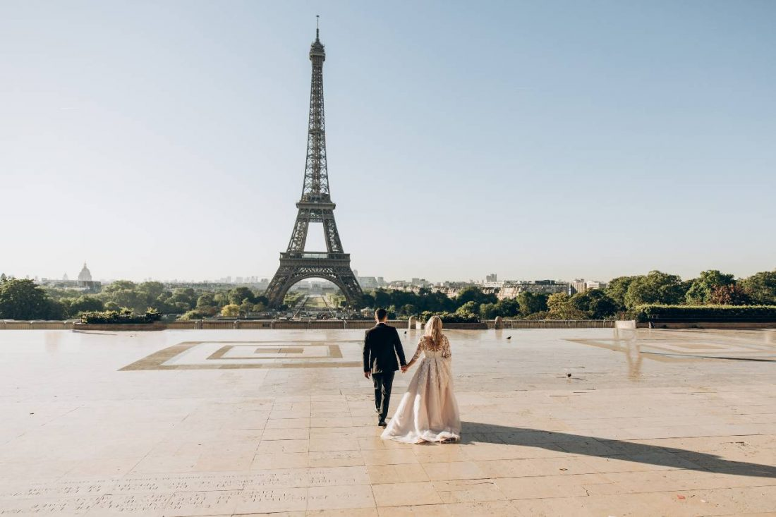 how to attract love - paris